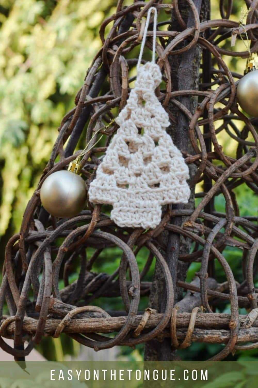 Free Crochet Pattern For An Adorable Granny Christmas Tree